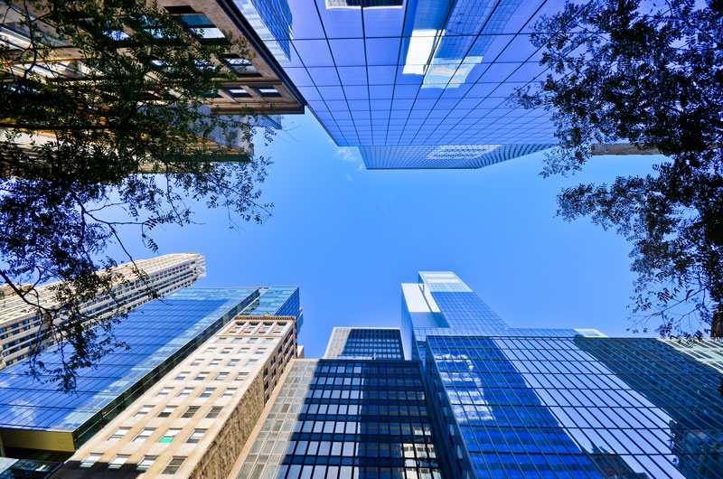 Facility Management in High-Performance Buildings